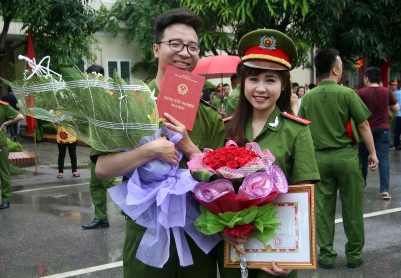 """Những """"đóa hồng"""" của  Học viện Cảnh sát nhân dân trong ngày tốt nghiệp - ảnh 7"""