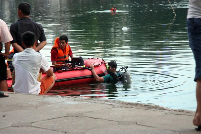 Sau tiếng la hét, người đàn ông nhảy xuống hồ Thiền Quang tử vong - ảnh 3