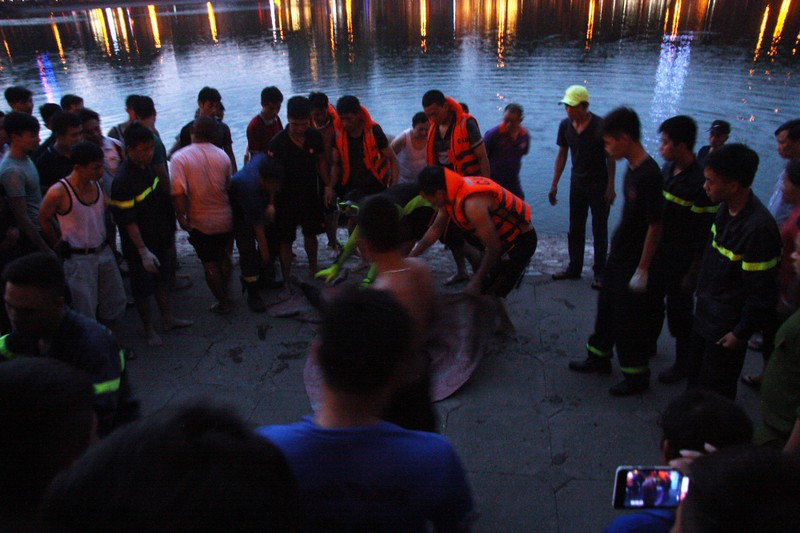 Sau tiếng la hét, người đàn ông nhảy xuống hồ Thiền Quang tử vong - ảnh 6