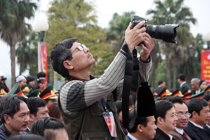 Chùm ảnh: Cảm nhận về nghề báo qua những hình ảnh chân thực  - ảnh 14