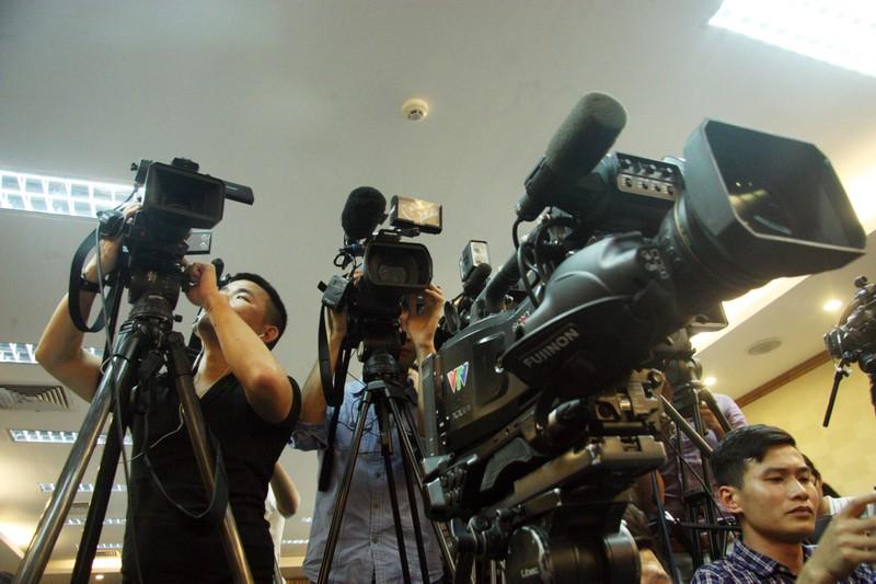 Chùm ảnh: Cảm nhận về nghề báo qua những hình ảnh chân thực  - ảnh 17