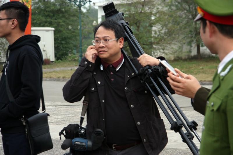 Chùm ảnh: Cảm nhận về nghề báo qua những hình ảnh chân thực  - ảnh 6