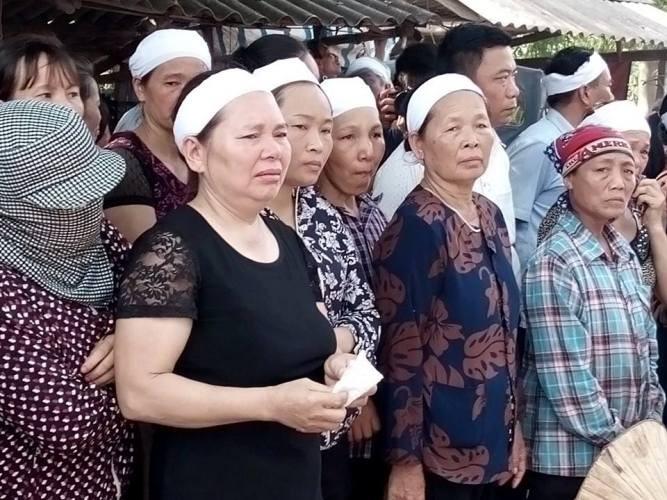 Lễ viếng đẫm nước mắt nơi quê nhà đại tá Khải - ảnh 23