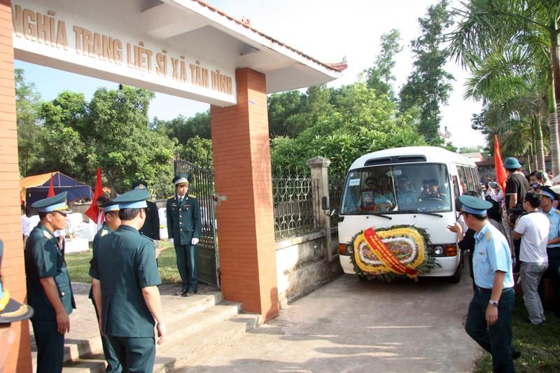 Tiễn đưa Đại tá Trần Quang Khải về nơi an nghỉ cuối cùng - ảnh 1