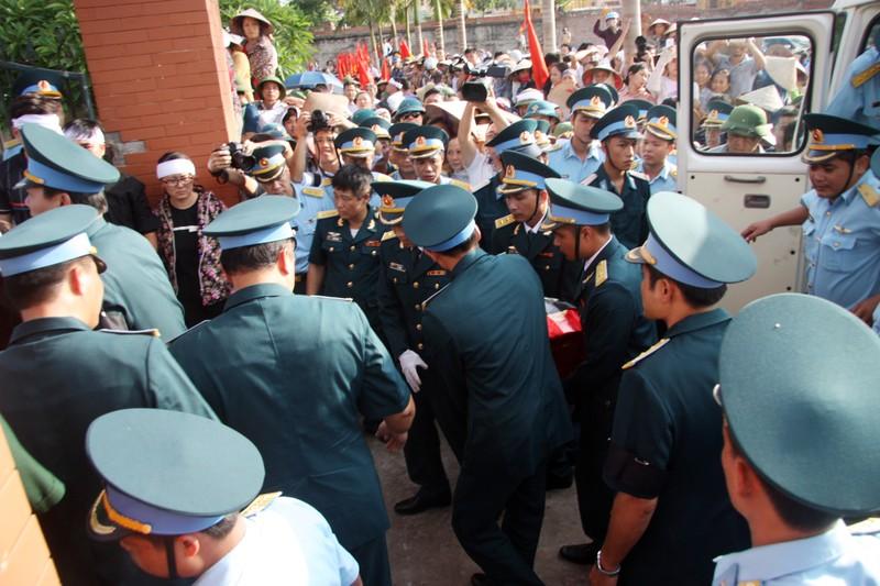 Tiễn đưa Đại tá Trần Quang Khải về nơi an nghỉ cuối cùng - ảnh 3