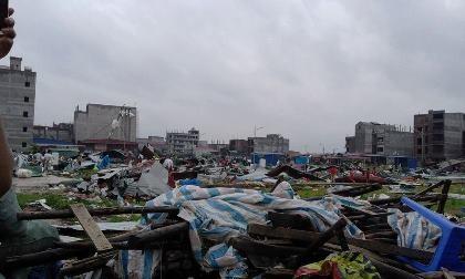 """""""Vòi rồng"""" xuất hiện ở Bắc Ninh, nhiều nhà dân bị hư hại - ảnh 2"""
