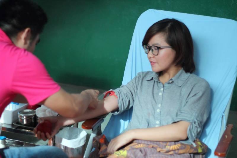 Hiến máu cứu người: Hãy luôn biết yêu thương, sẻ chia  - ảnh 1
