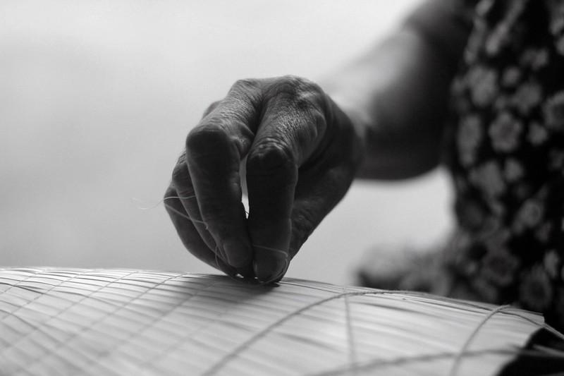 Những điều ít biết về nghề làm nón lá làng Chuông - ảnh 4