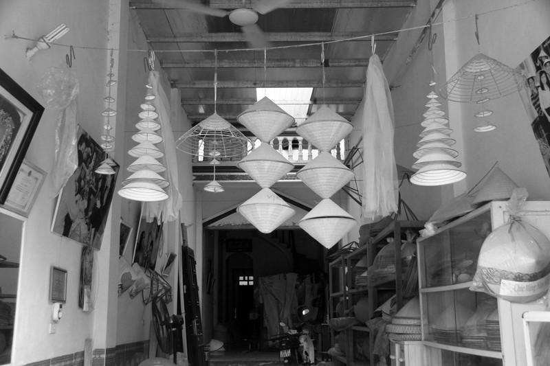 Những điều ít biết về nghề làm nón lá làng Chuông - ảnh 5