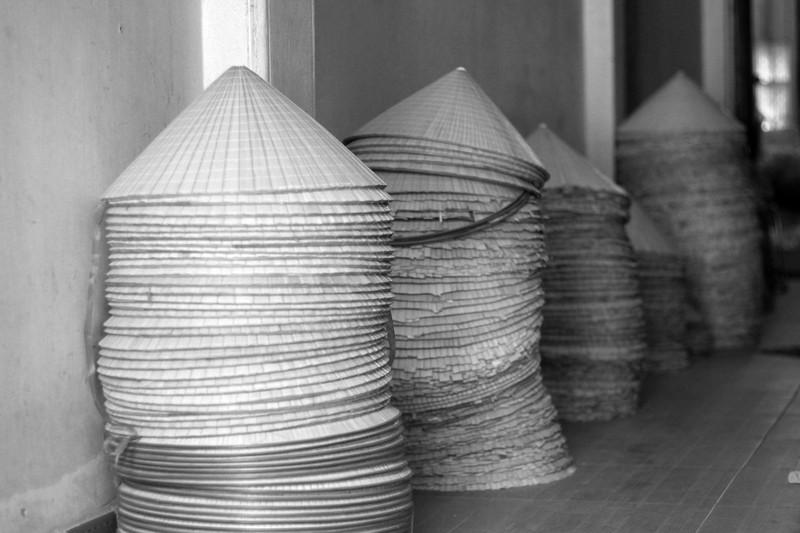 Những điều ít biết về nghề làm nón lá làng Chuông - ảnh 6