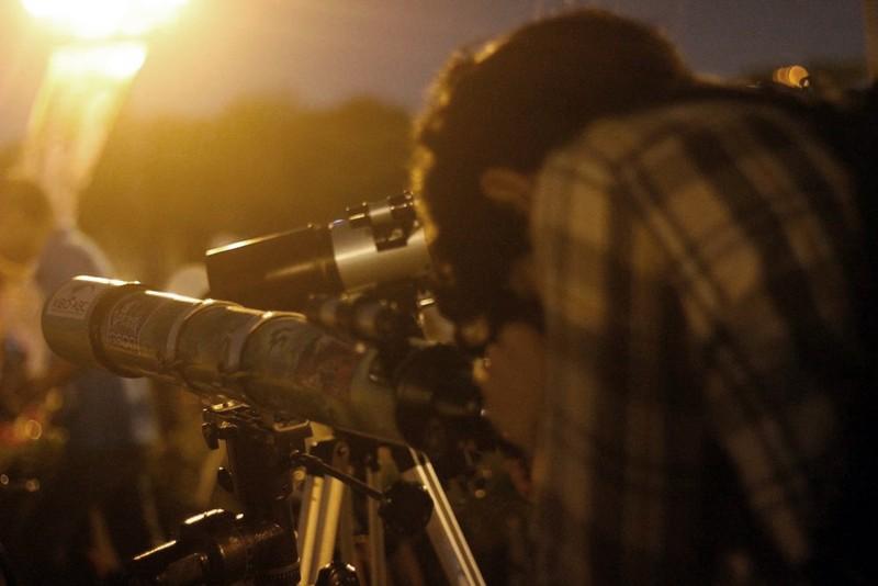 Hà Nội hứng thú ngắm siêu trăng - ảnh 8