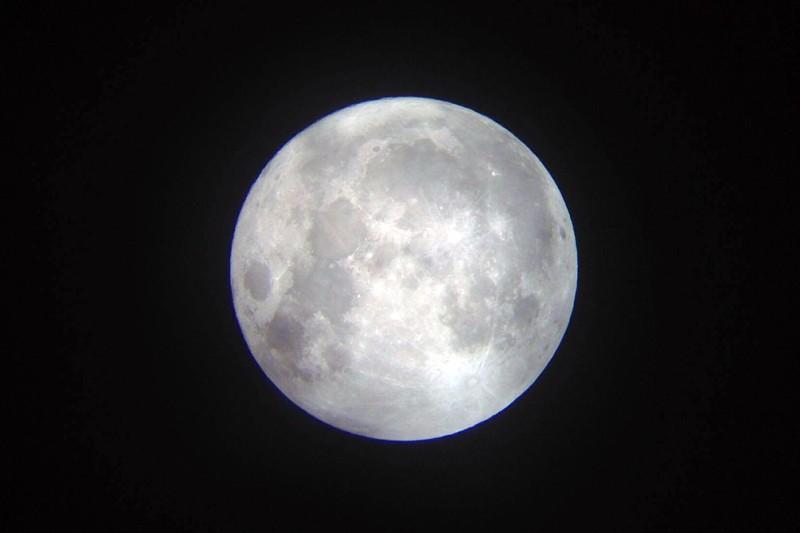 Hà Nội hứng thú ngắm siêu trăng - ảnh 10