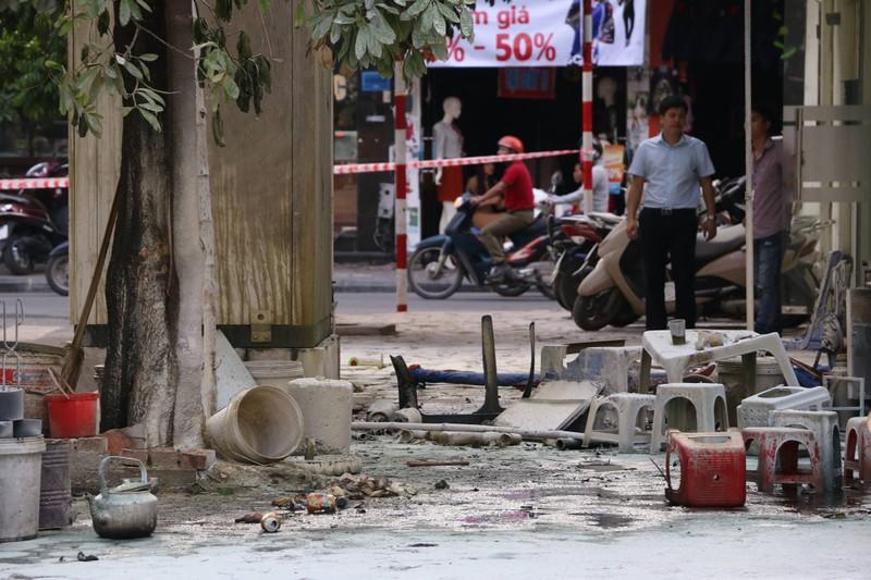 Bốt điện phát nổ, 5 người bị thương nặng - ảnh 1