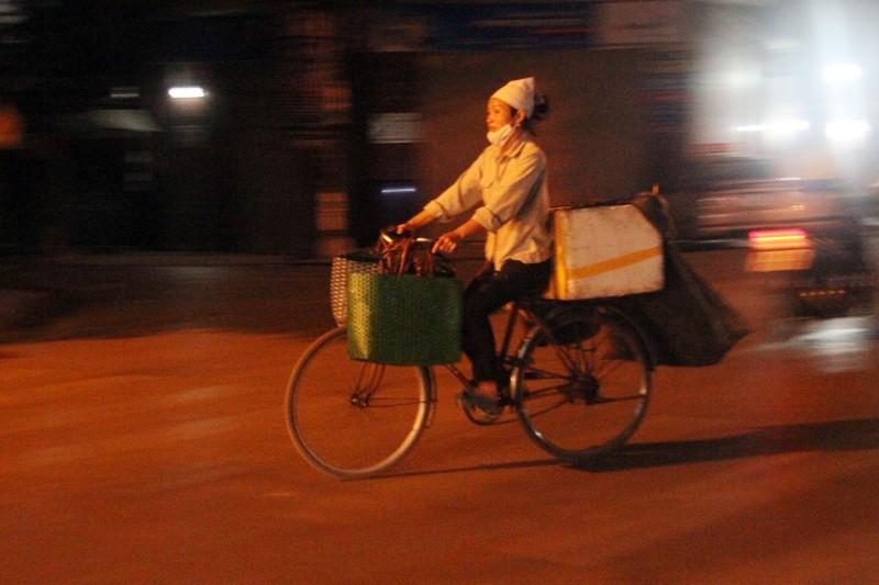 Hà Nội: Những phận đời trong đêm lạnh giá - ảnh 6