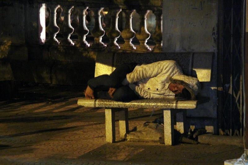 Hà Nội: Những phận đời trong đêm lạnh giá - ảnh 11