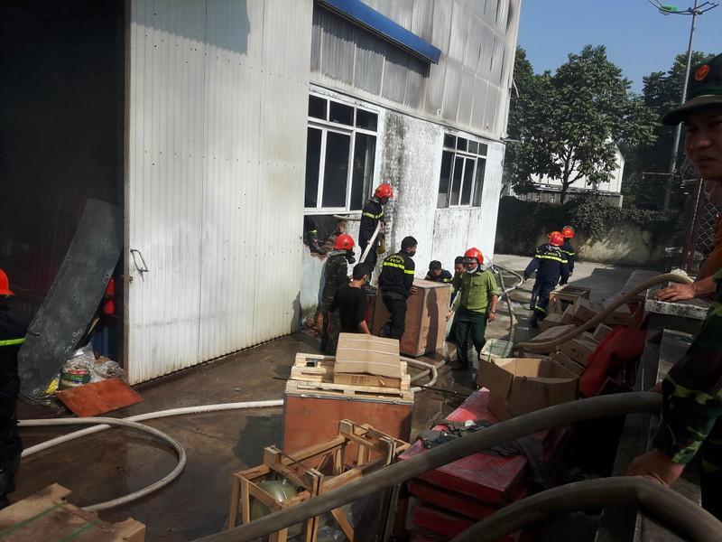 Cháy lớn tại Khu công nghiệp Ngọc Hồi - ảnh 3