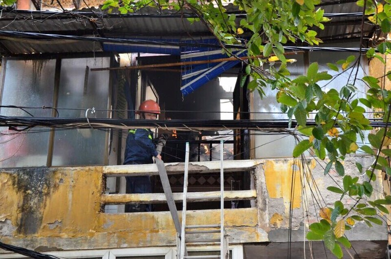 Cháy 2 nhà liền kề trên phố Phùng Hưng, Hà Nội - ảnh 4