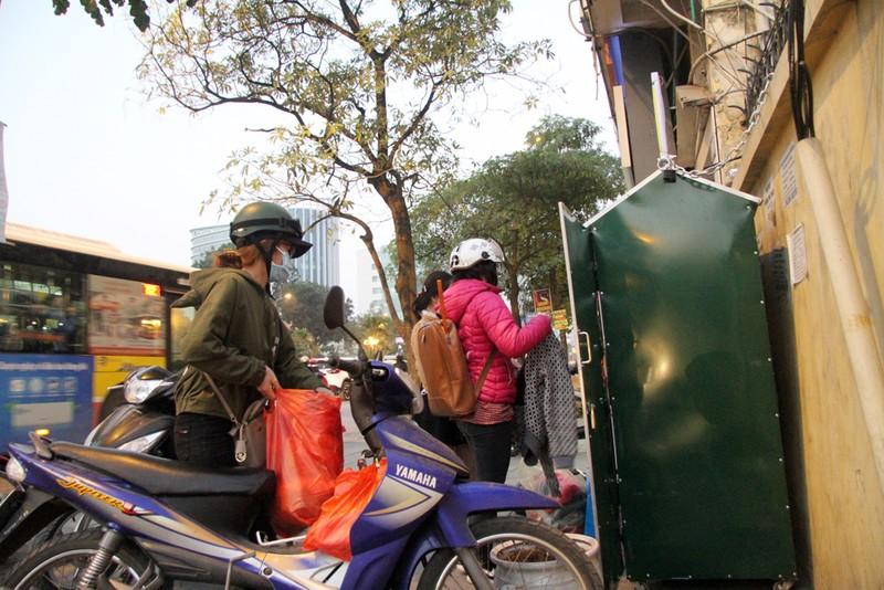 Hà Nội: Xuất hiện tủ quần áo miễn phí cho người nghèo - ảnh 9