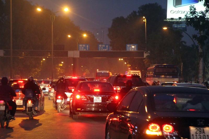 Hà Nội không tắc đường sau kỳ nghỉ tết Dương lịch - ảnh 12