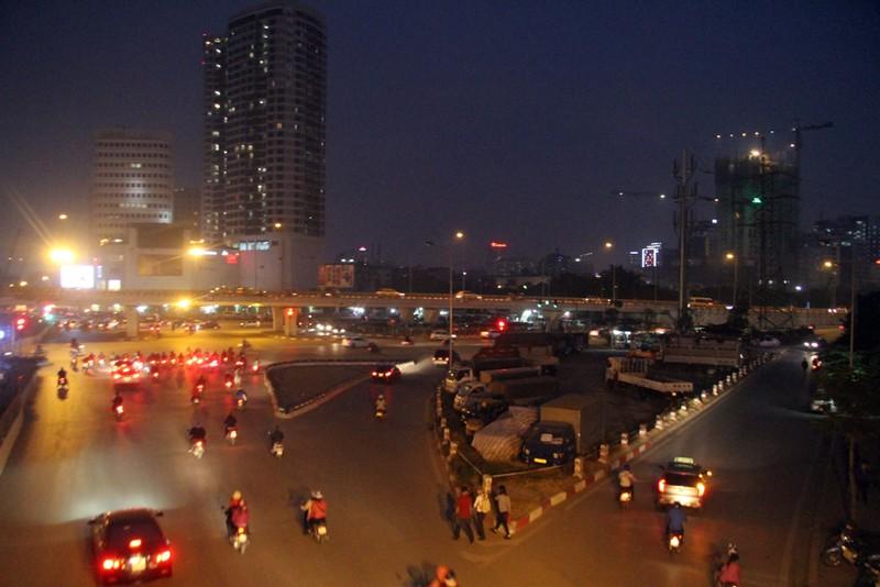 Hà Nội không tắc đường sau kỳ nghỉ tết Dương lịch - ảnh 13