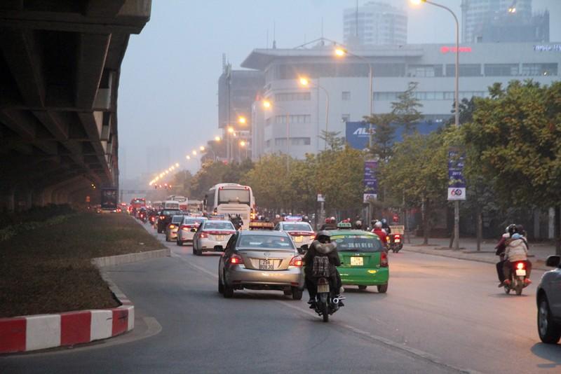 Hà Nội không tắc đường sau kỳ nghỉ tết Dương lịch - ảnh 8