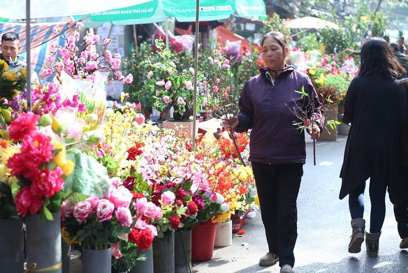 Chợ hoa Hàng Lược nhộn nhịp những ngày giáp Tết - ảnh 5