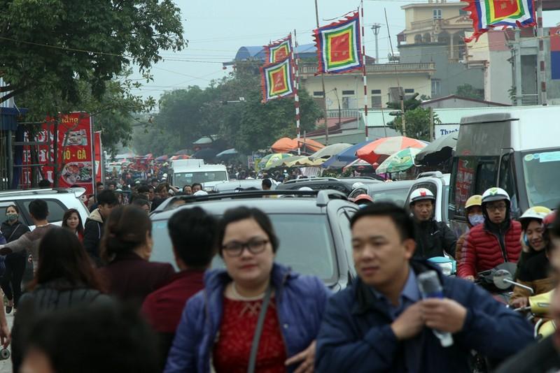 Đường vào chợ Viềng tắc dài vài cây số - ảnh 6
