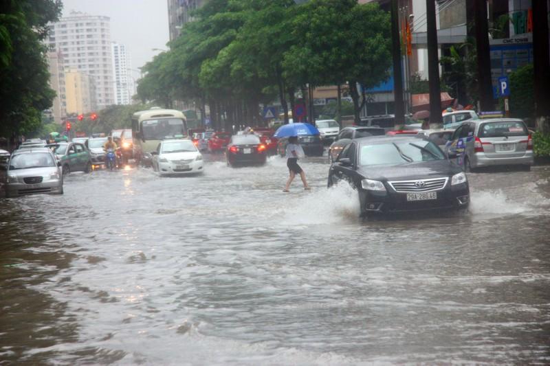 Hà Nội thông tin vụ ngập do bão số 2