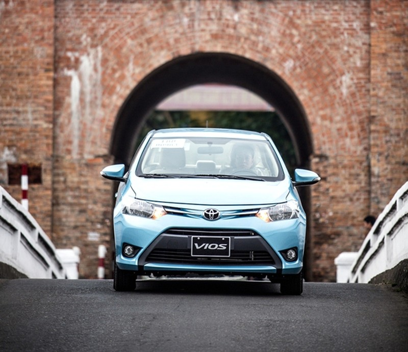 Toyota khuyến mãi mua xe Vios Và Corolla Altis - ảnh 2