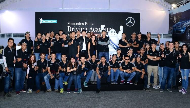 Hứng khởi với học viện lái xe an toàn Mercedes-Benz 2016 - ảnh 7