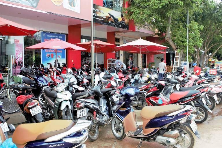 Honda Việt Nam chia sẻ với đồng bào lũ lụt miền Trung - ảnh 3