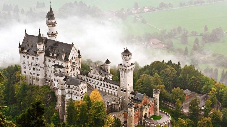 Mua xe BMW, đi Đức khám phá vùng đất khai sinh BMW - ảnh 4