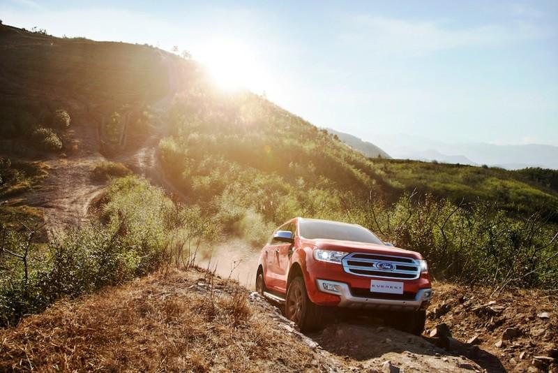 Ford công bố giá mới cho xe Everest, Focus - ảnh 2
