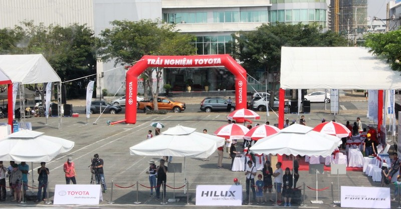 Sôi động chương trình trải nghiệm xe mới của Toyota - ảnh 1