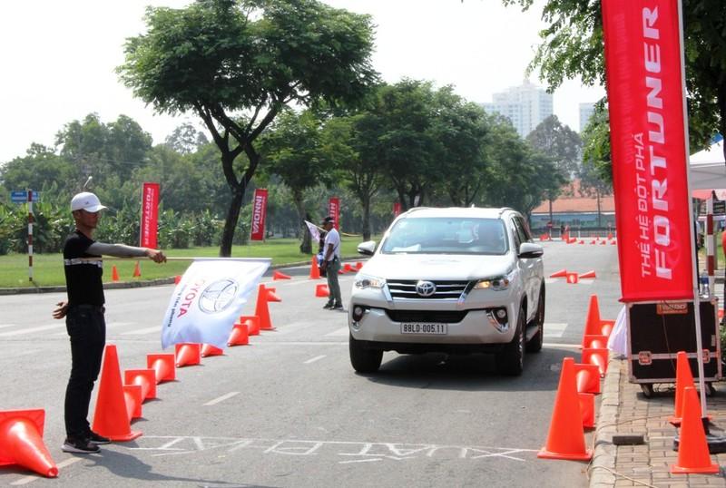 Sôi động chương trình trải nghiệm xe mới của Toyota - ảnh 3