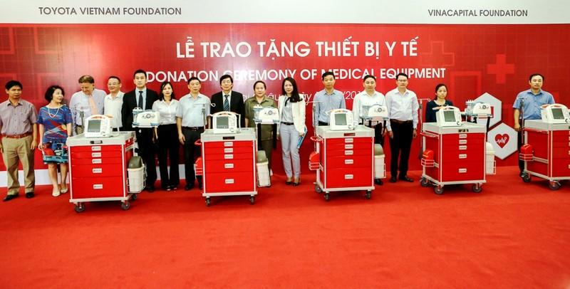 Quỹ Toyota Việt Nam tặng xe cấp cứu cho Lai Châu - ảnh 1