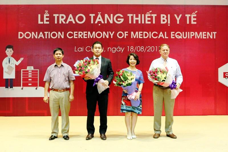 Quỹ Toyota Việt Nam tặng xe cấp cứu cho Lai Châu - ảnh 2