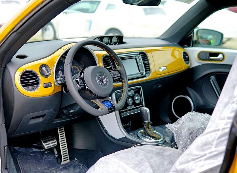 """""""Con bọ"""" Volkswagen Beetle Dune đã về cảng Hiệp Phước - ảnh 7"""