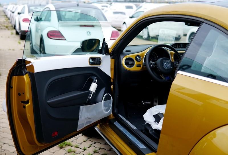 """""""Con bọ"""" Volkswagen Beetle Dune đã về cảng Hiệp Phước - ảnh 9"""