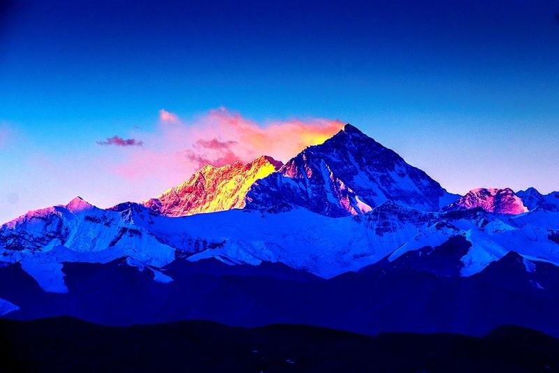 Ford Everest chinh phục thành công đỉnh Everest - ảnh 2