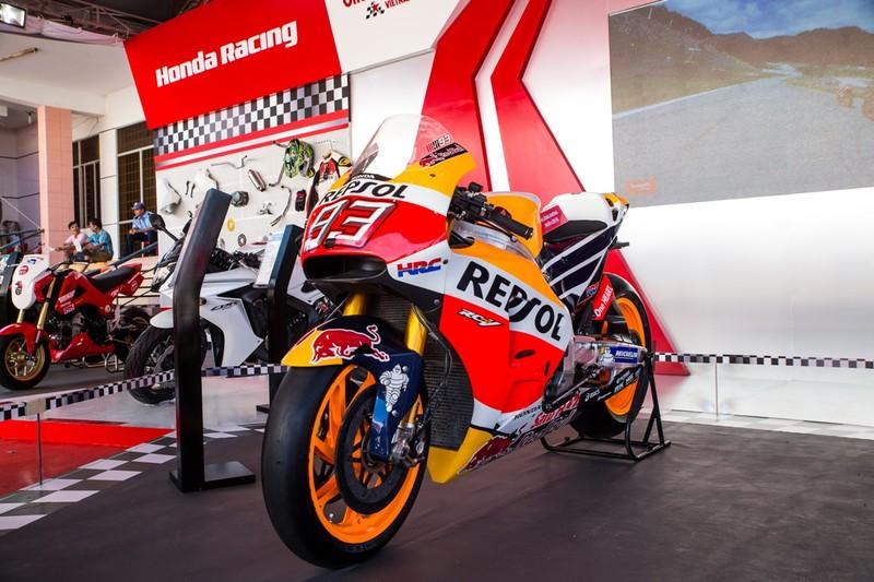 Tưng bừng giải đua xe mô tô Honda ở Tuy Hòa - ảnh 1