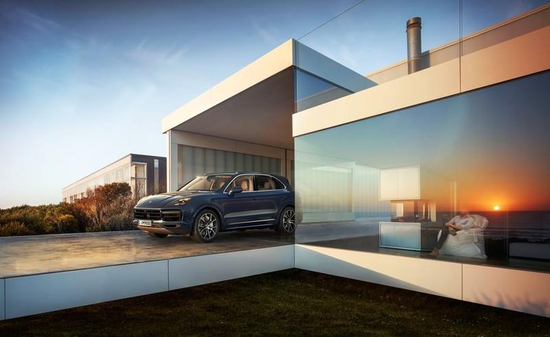 Porsche ra mắt