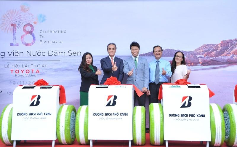 Bridgestone trao tặng thùng rác thông minh cho Đầm Sen - ảnh 5