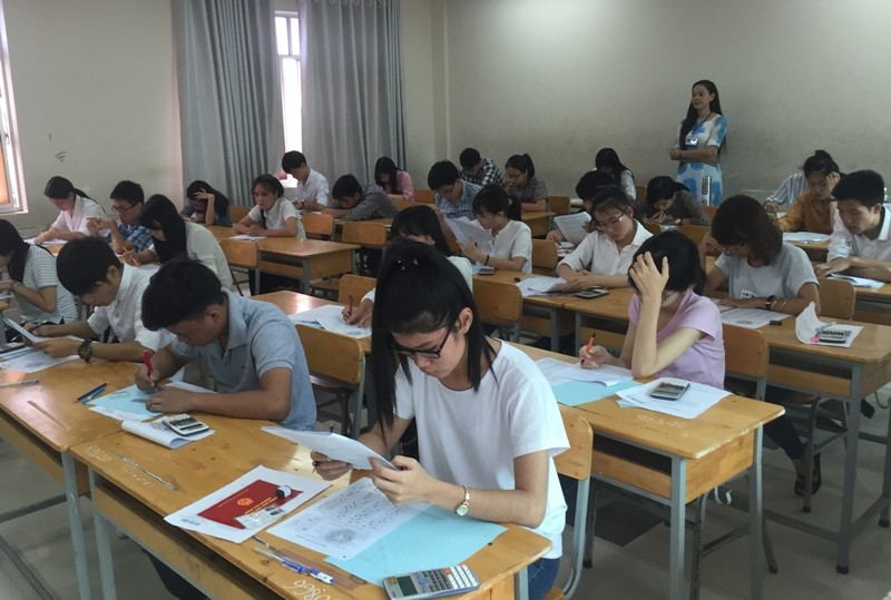 Trường ĐH Luật TP.HCM công bố điểm xét trúng tuyển - ảnh 1
