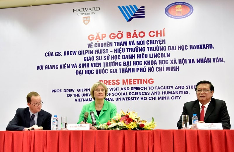 Hiệu trưởng ĐH Harvard: Việt Nam không phải cuộc chiến - ảnh 1