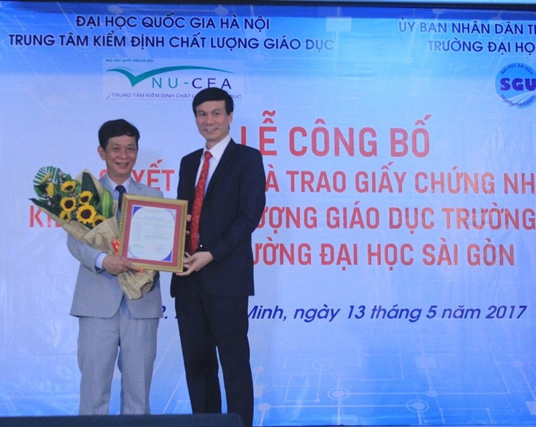 Trường ĐH Sài Gòn đạt chuẩn kiểm định giáo dục - ảnh 1