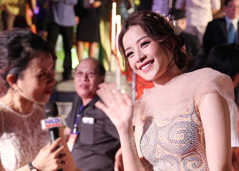 Showbiz Việt đổ xô đến Mai Vàng - ảnh 7