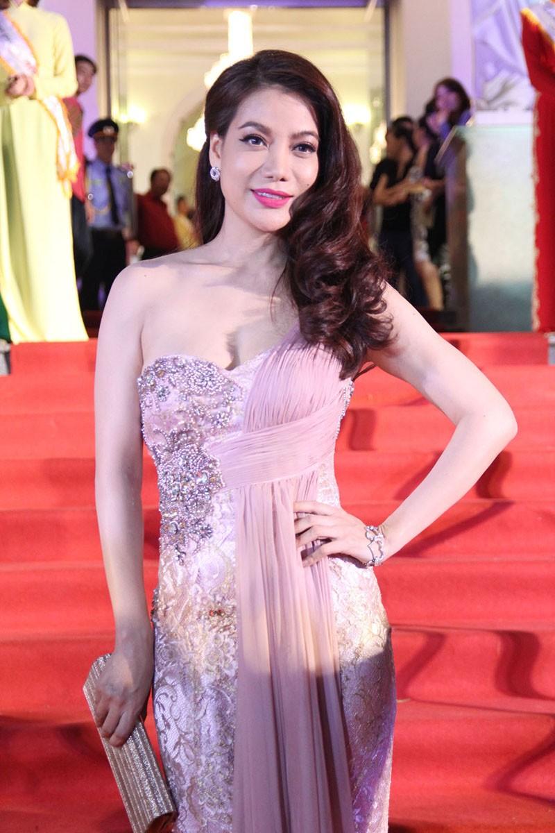 Showbiz Việt đổ xô đến Mai Vàng - ảnh 4