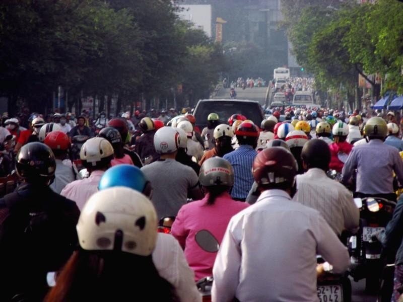 Người Sài Gòn mệt mỏi với 'điệp khúc' kẹt xe hằng ngày - ảnh 2