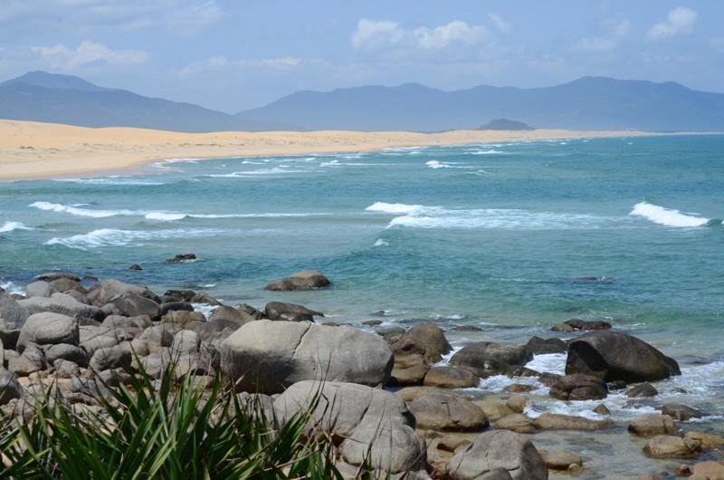 Khám phá nét hoang sơ biển Vũng Bầu - ảnh 8